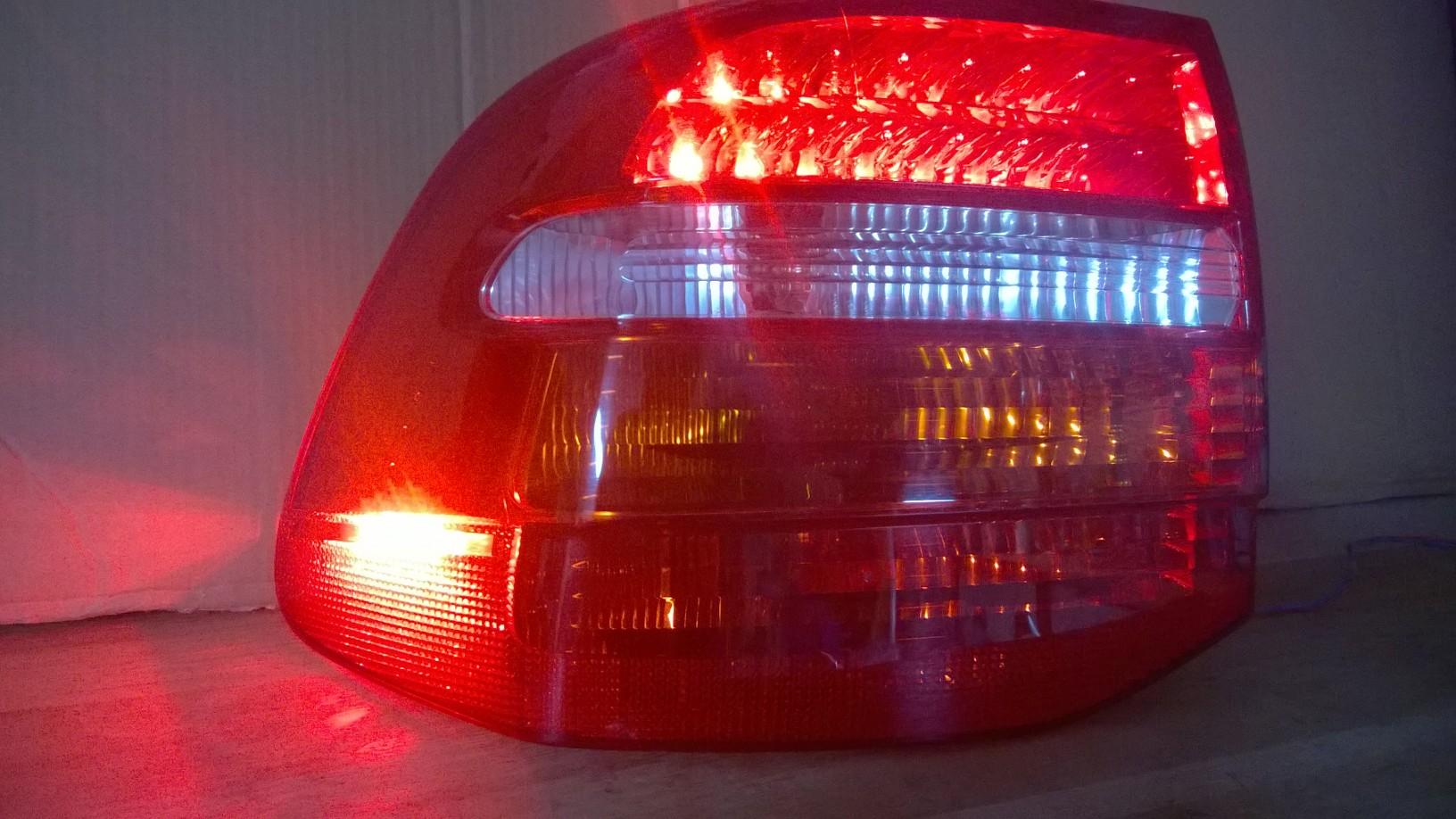 Reparatur von lampen porsche cayenne reparatur von for Lampen reparatur