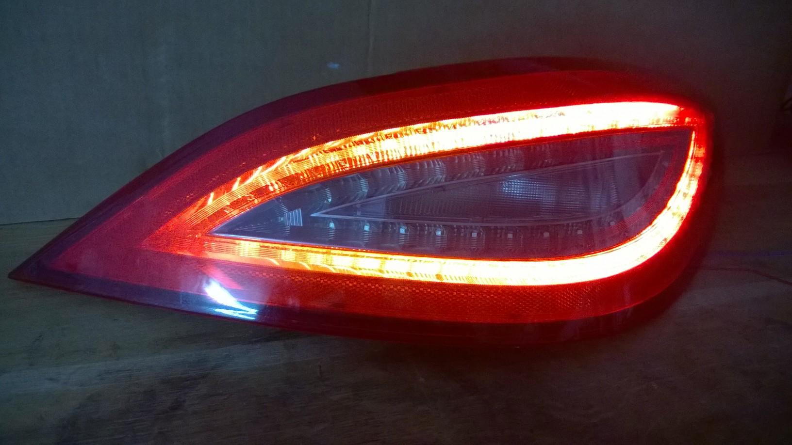 Reparatur von lampen tylnych led mercedes cls w218 for Lampen reparatur